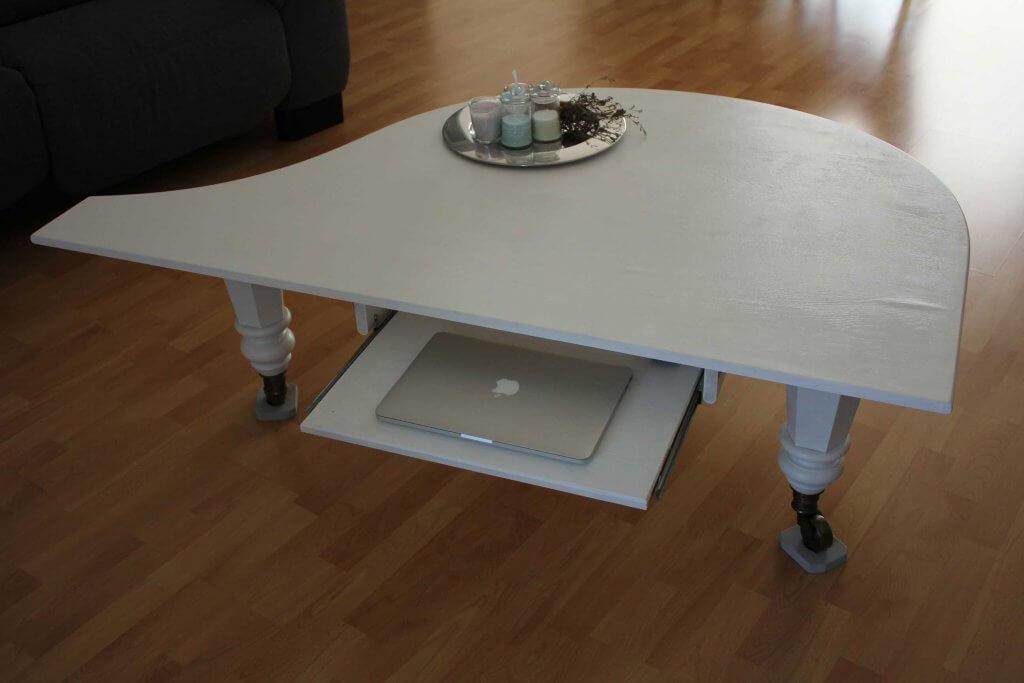 Klaviertisch1 1 1024x683 - Wie baut man einen Tisch aus einem alten Flügel?