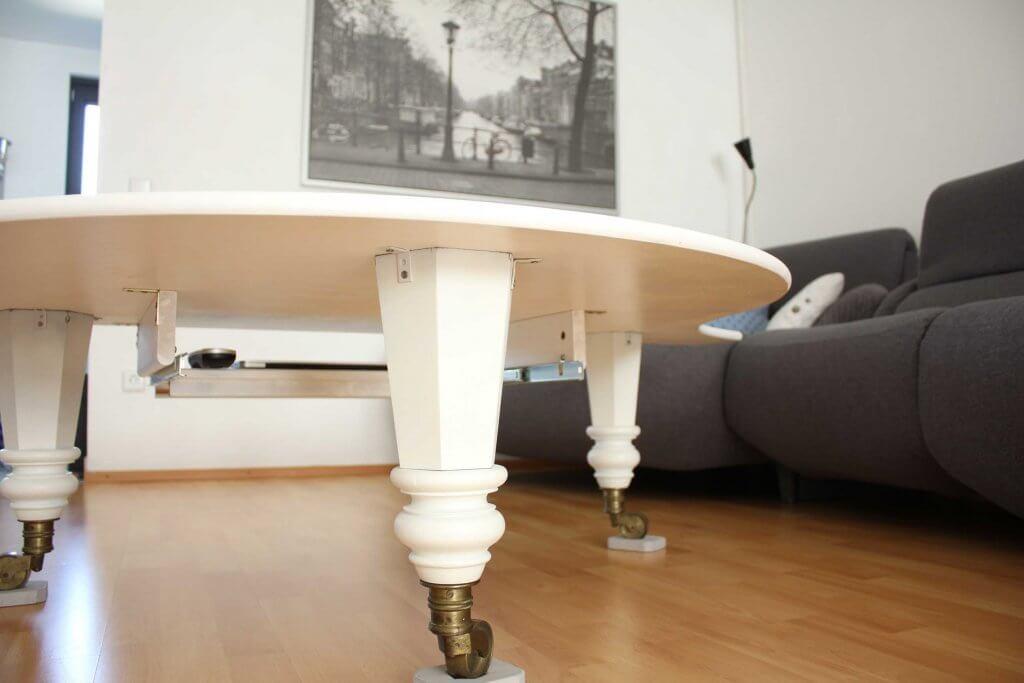 Klaviertisch2 1 1024x683 - Ako si vyrobiť stôl zo starého krídla