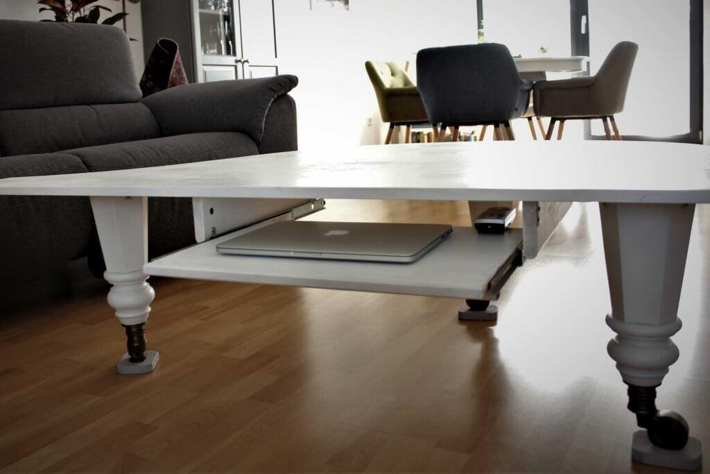 Klaviertisch3 1024x683 - Wie baut man einen Tisch aus einem alten Flügel?