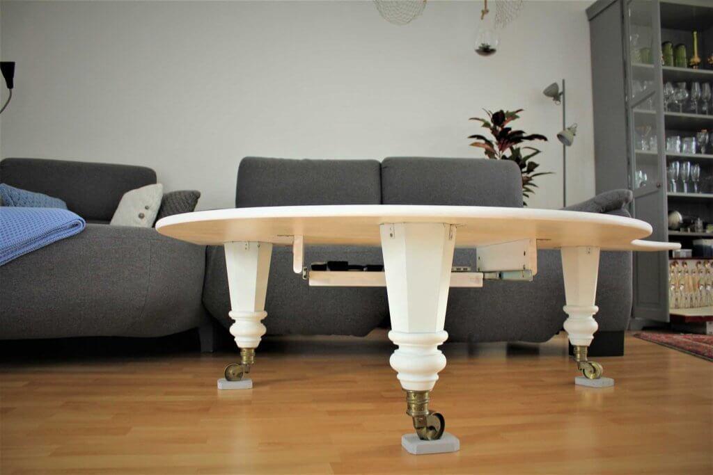 Klaviettisch7 1024x683 - Wie baut man einen Tisch aus einem alten Flügel?