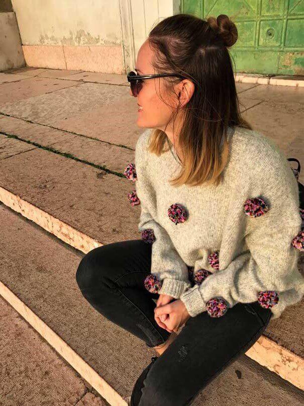 pom pom pullover - TOP 10 Strickmodelle, die du diese Saison haben musst