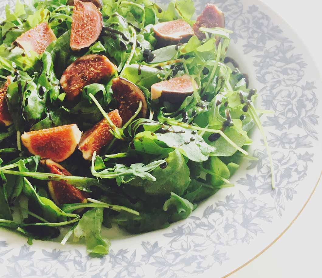 salad 1 - Saltimbocca vom Lachs mit Gremolata-Stampfkartoffeln