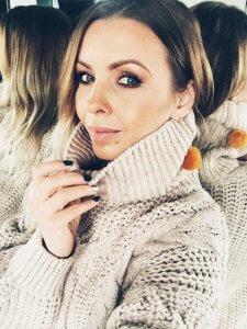 vzor2 225x300 - TOP 10 pletených modelov, ktoré túto zimu očaria i zahrejú
