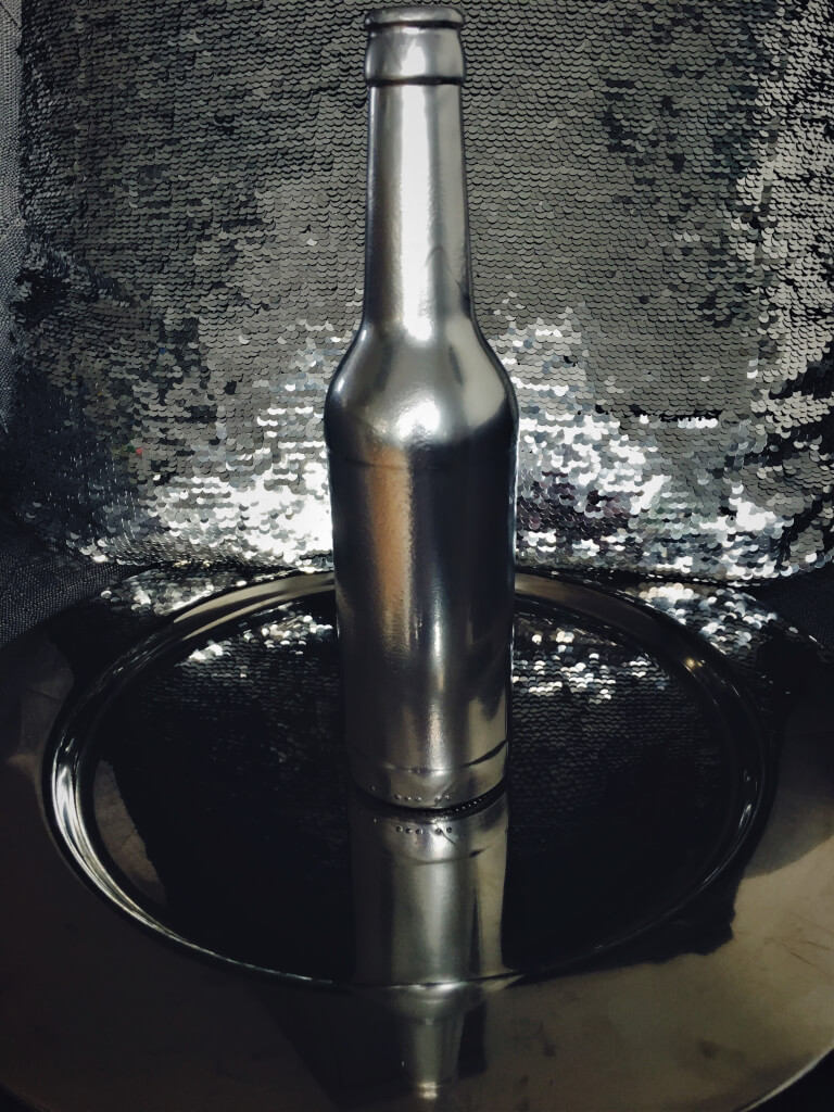 i3 - Fľaše a industriál v hlavnej úlohe