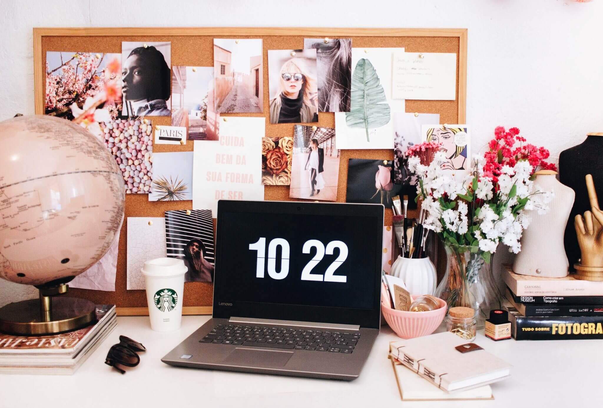 ella jardim 683098 unsplash - Motivationswand als neuer Trend der perfekten Arbeitsecke