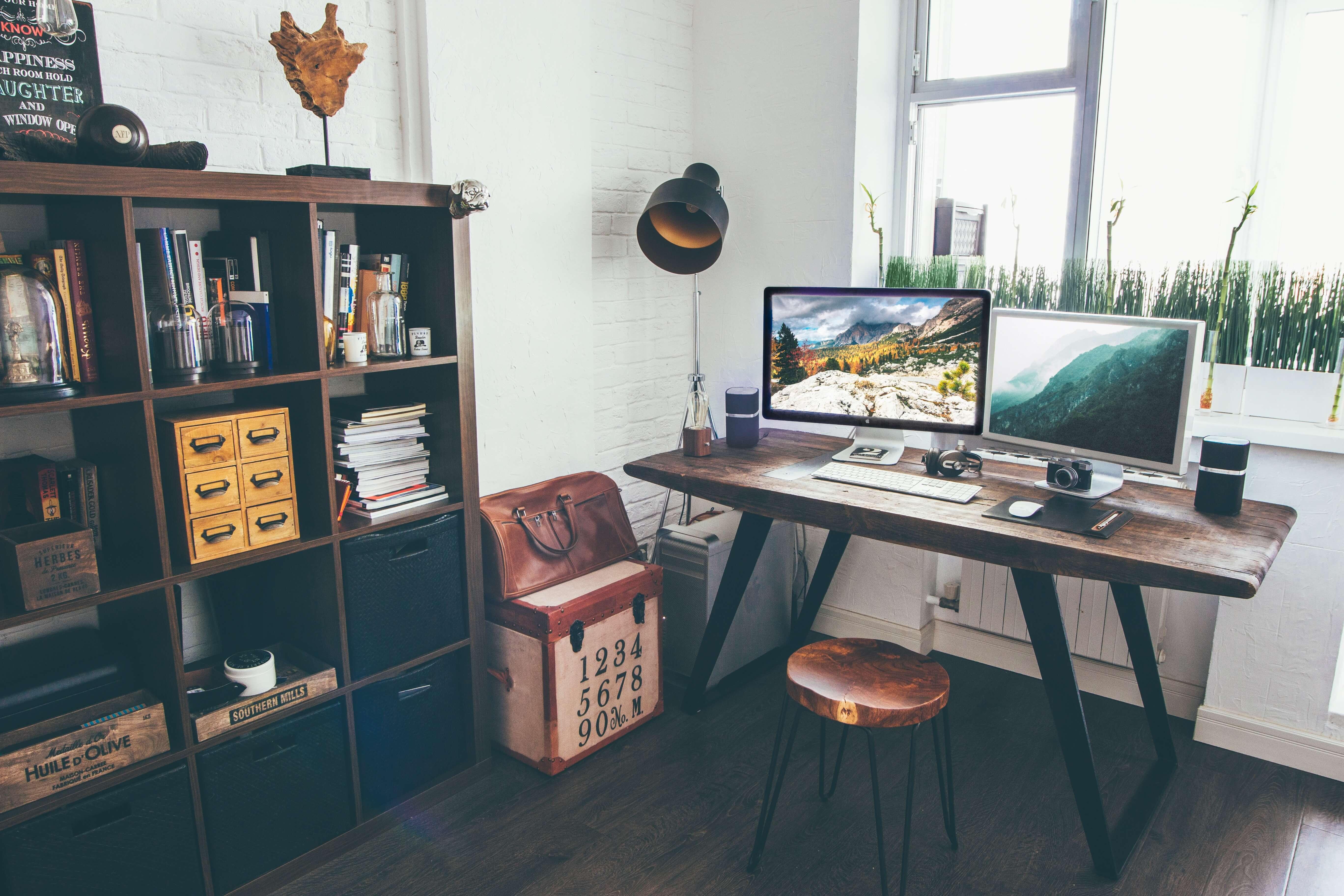 vadim sherbakov 277610 unsplash - Motivationswand als neuer Trend der perfekten Arbeitsecke