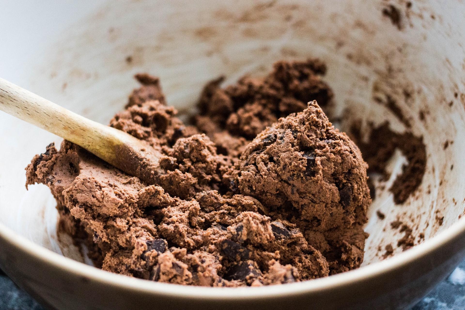 charisse kenion vFMJNZz3x9E unsplash 1 - Sladká bleskovka - recept na vegánske čoko cookies