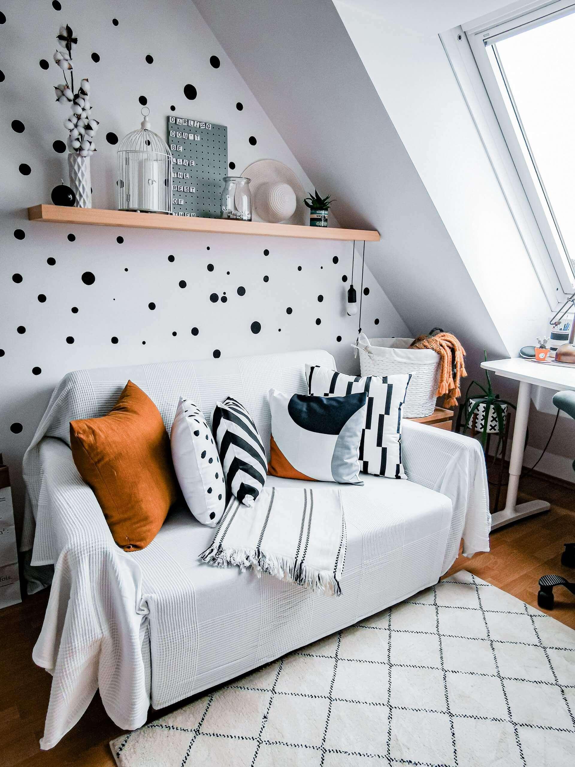 IMG 20200529 165002 1 1 scaled - PRED a PO: Premena izby bez výmeny nábytku