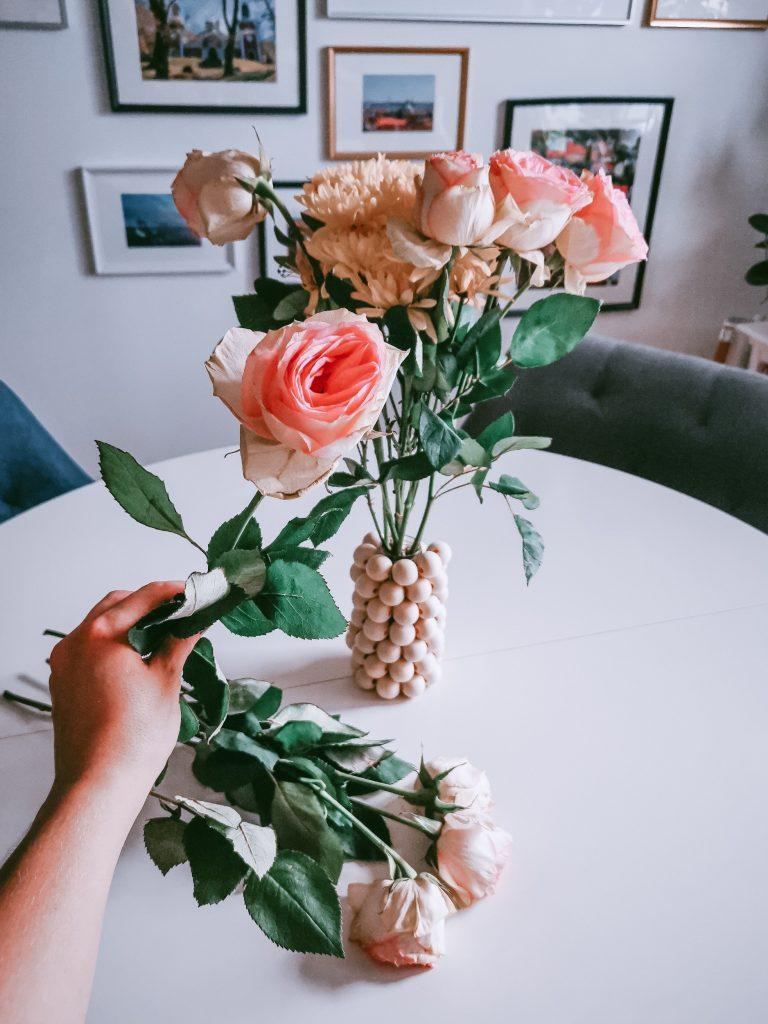 IMG 20200830 161015 1 01 resized 20200831 021453617 1 768x1024 - Einfache Vase aus Holzperlen zum Nachmachen