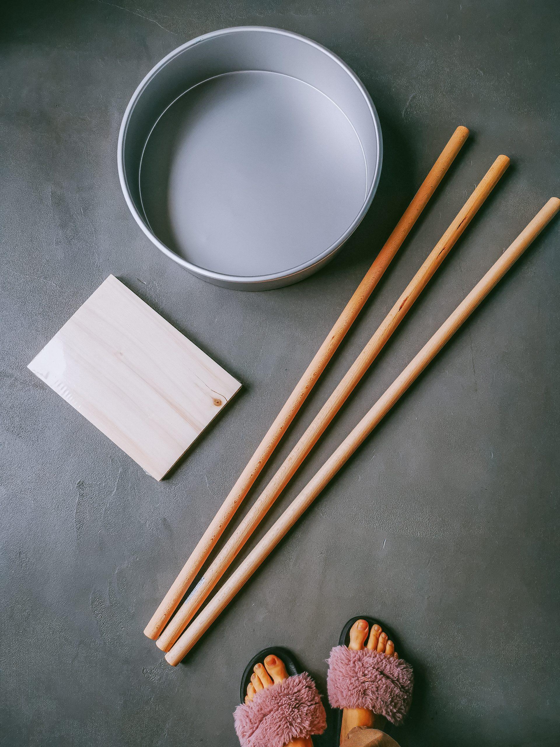 IMG 20201108 102210 scaled - DIY projekt: Ako si vyrobiť RAW stolík z betónu