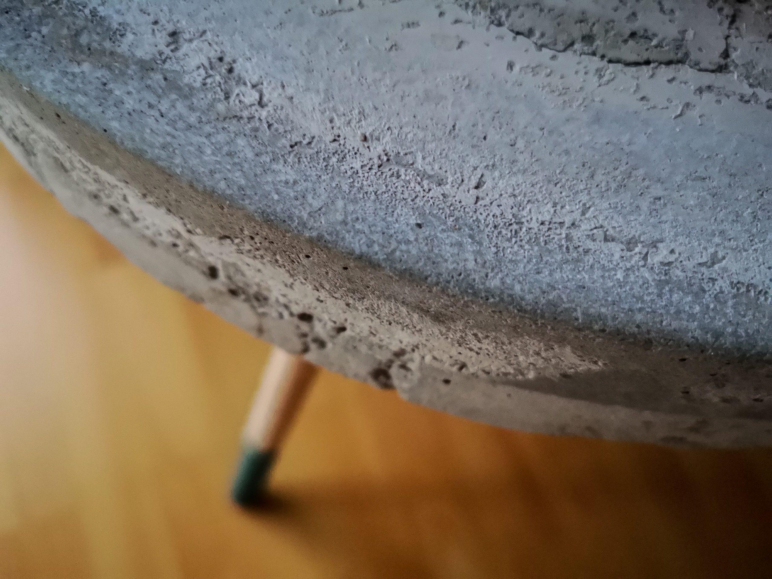 IMG 20201125 150835 scaled - DIY projekt: Ako si vyrobiť RAW stolík z betónu