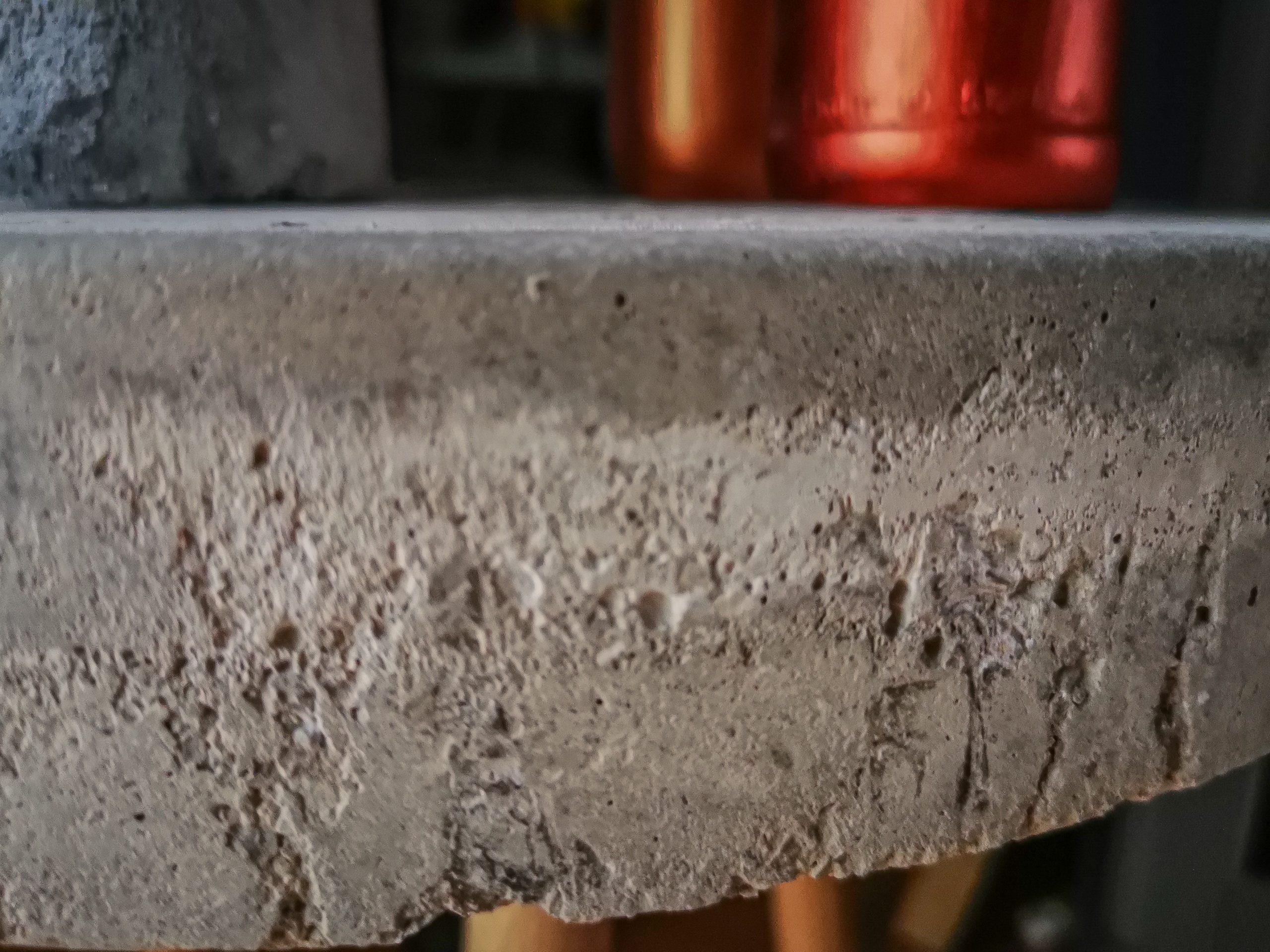 IMG 20201125 150904 scaled - DIY projekt: Ako si vyrobiť RAW stolík z betónu